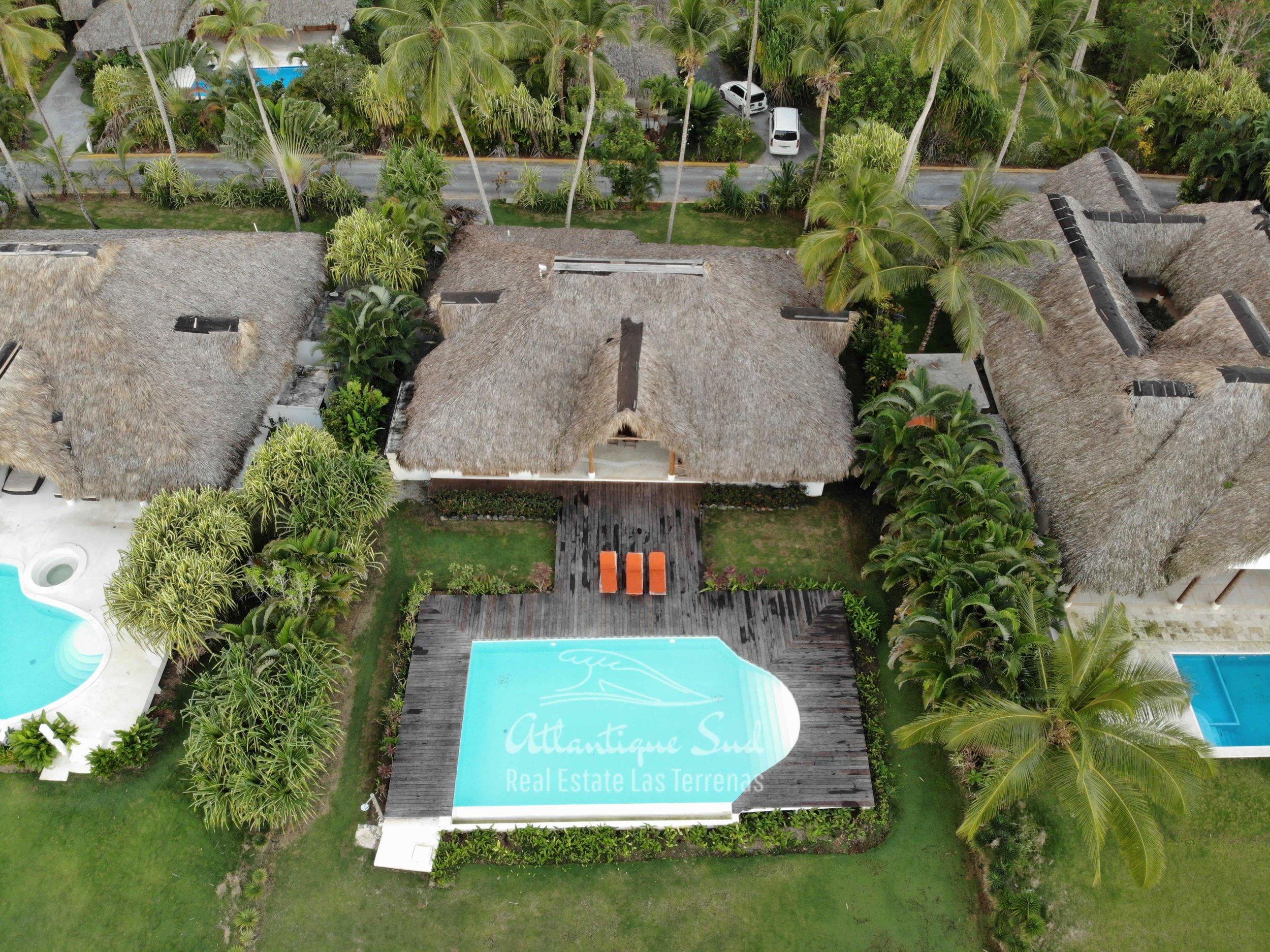 Villa los nomadas for sale beachfront3.jpg