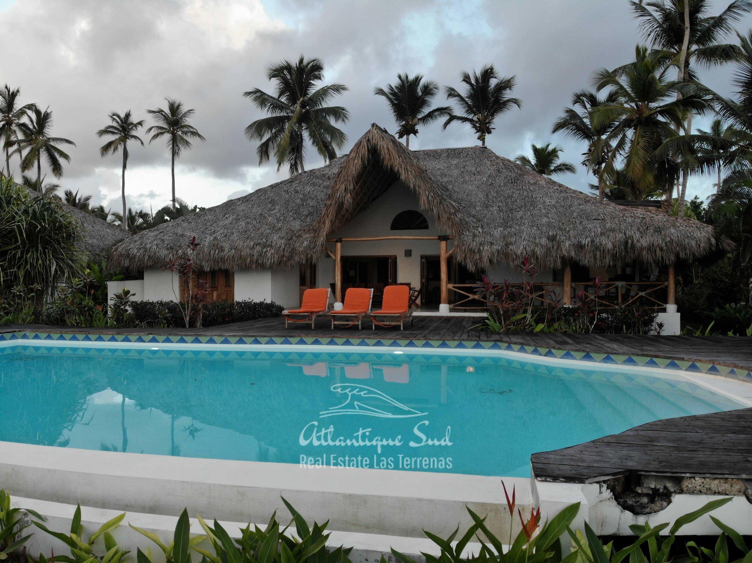 Villa los nomadas for sale beachfront10.jpg