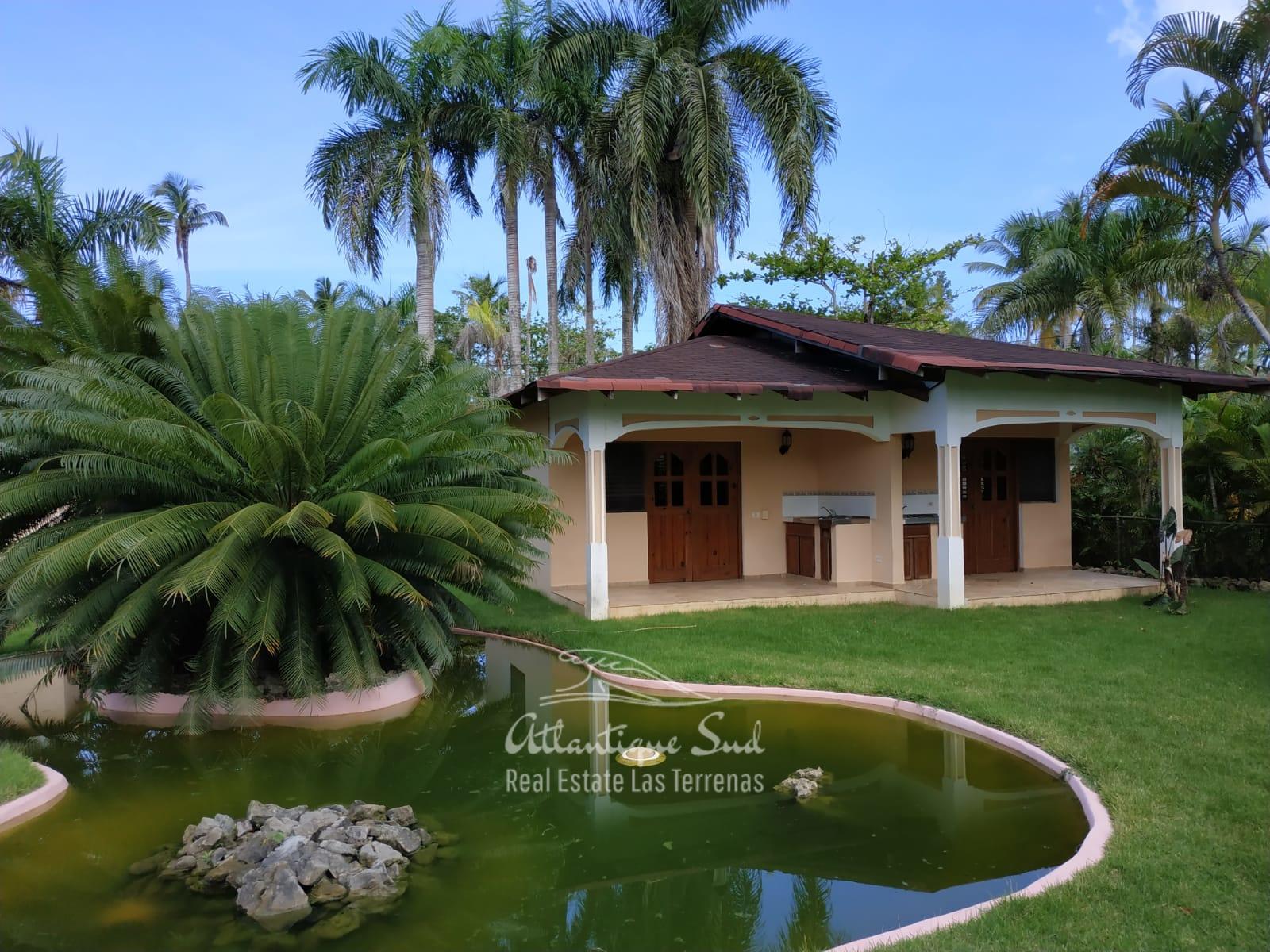 Villa los nomadas for sale beachfront 1.jpeg