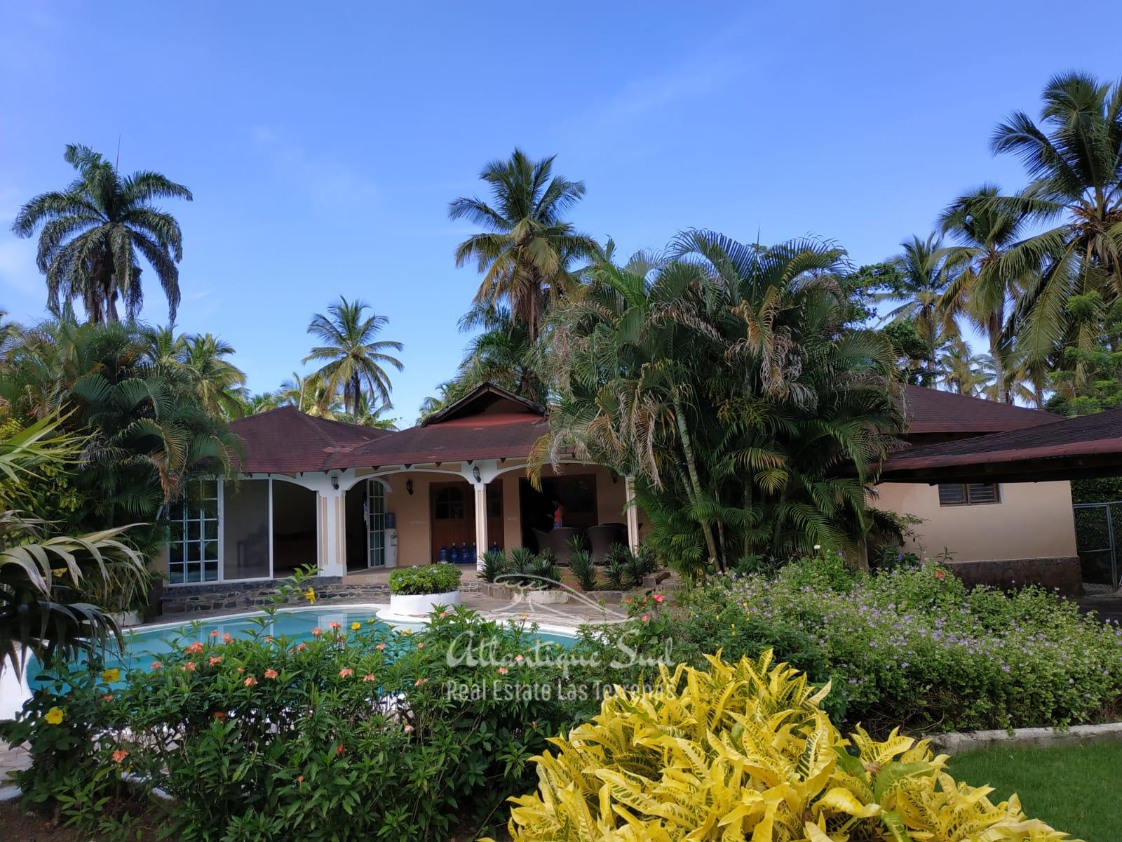 Villa los nomadas for sale beachfront 2.jpeg