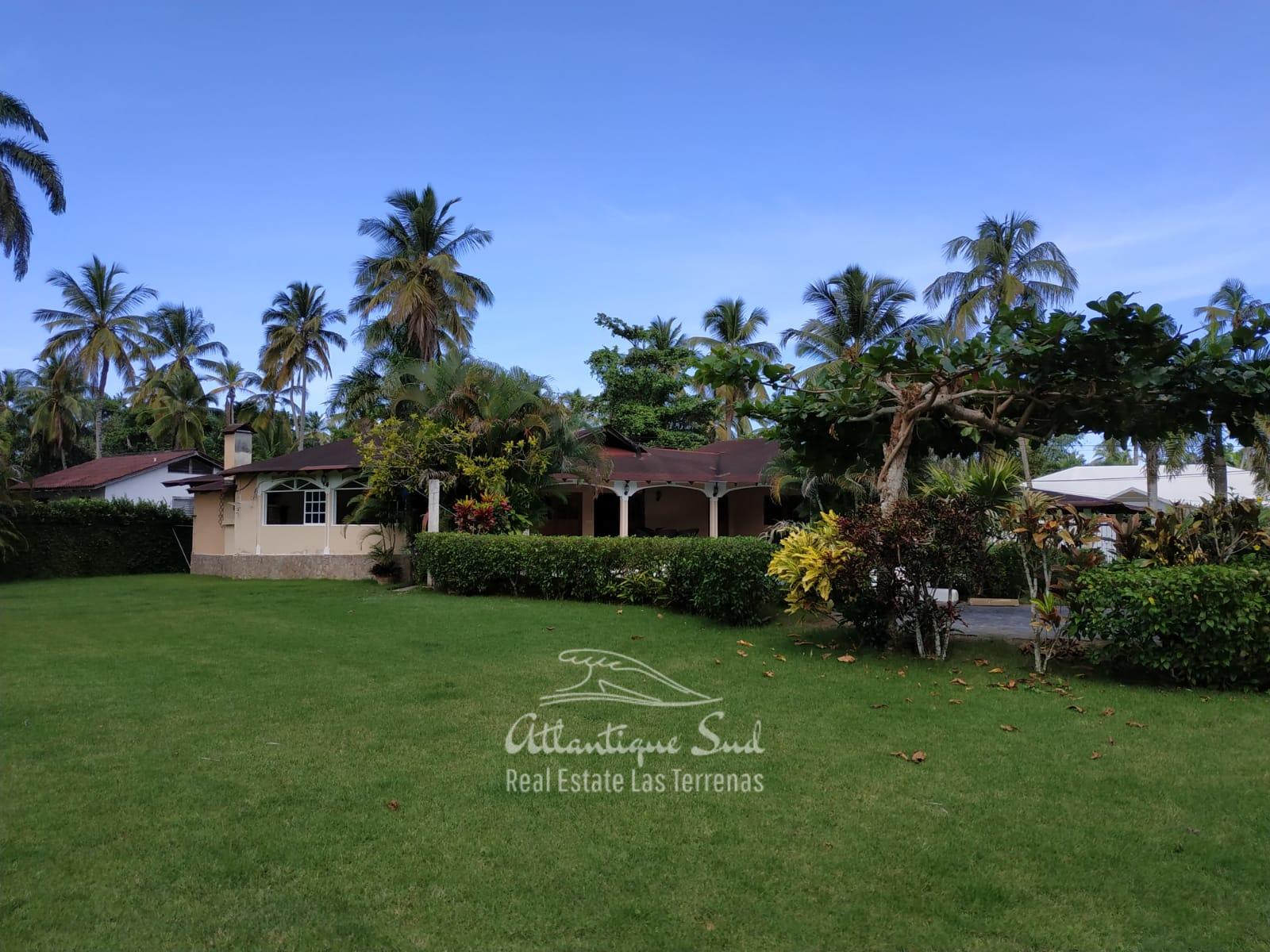 Villa los nomadas for sale beachfront 11.jpeg