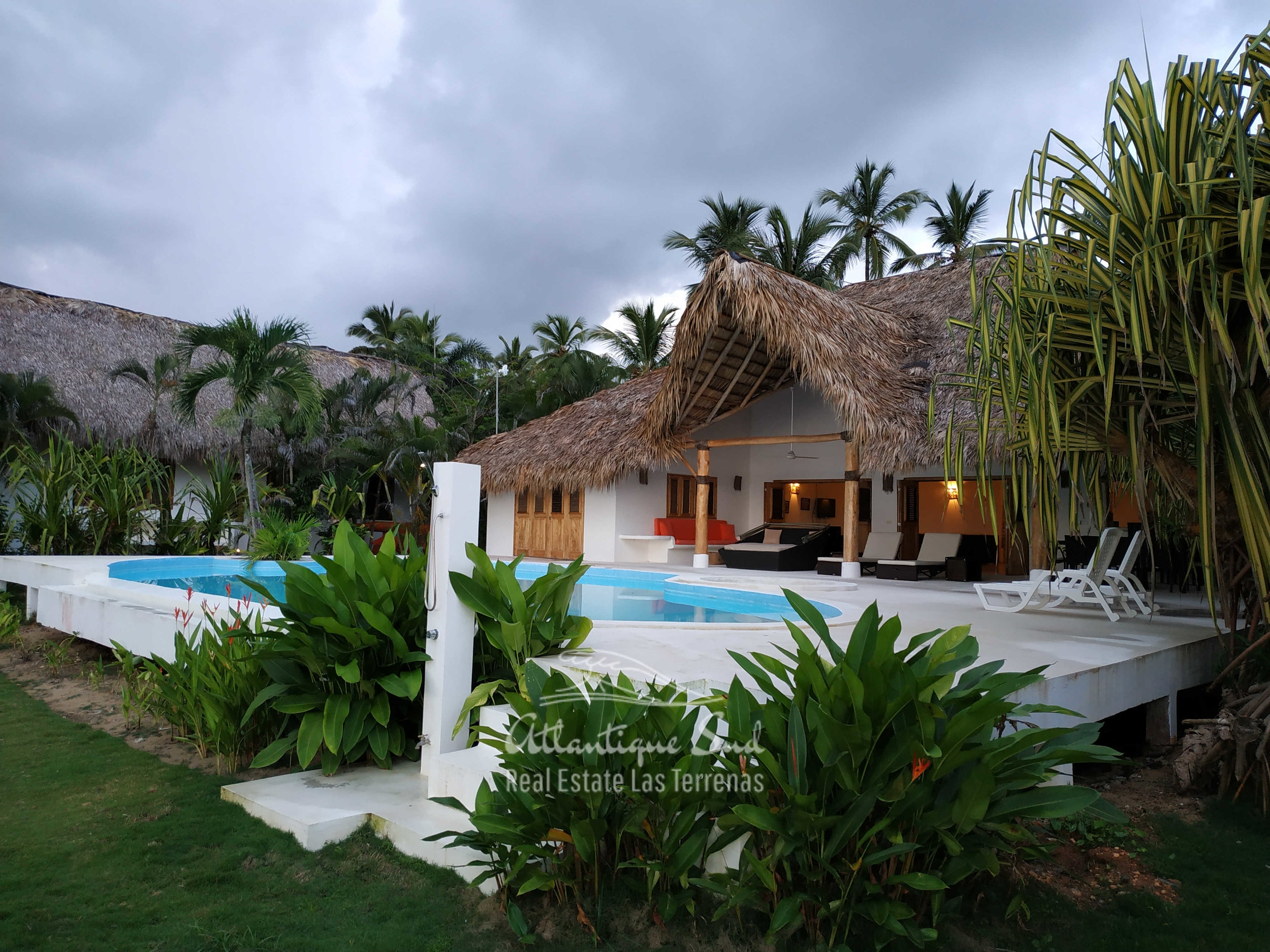 beachfront villa los nomadas for rent 1.jpg