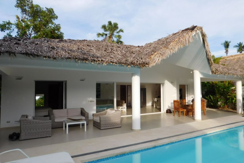 villa-for-rent-near-playa-las-ballenas9.jpg