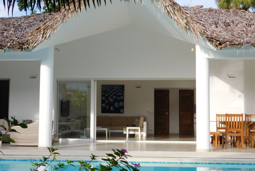villa-for-rent-near-playa-las-ballenas1.jpg