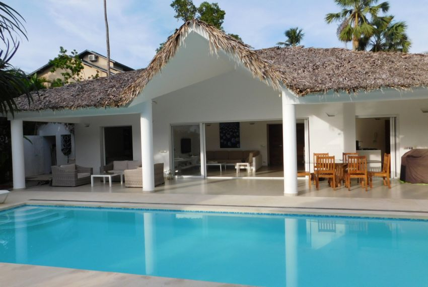 villa-for-rent-near-playa-las-ballenas.jpg