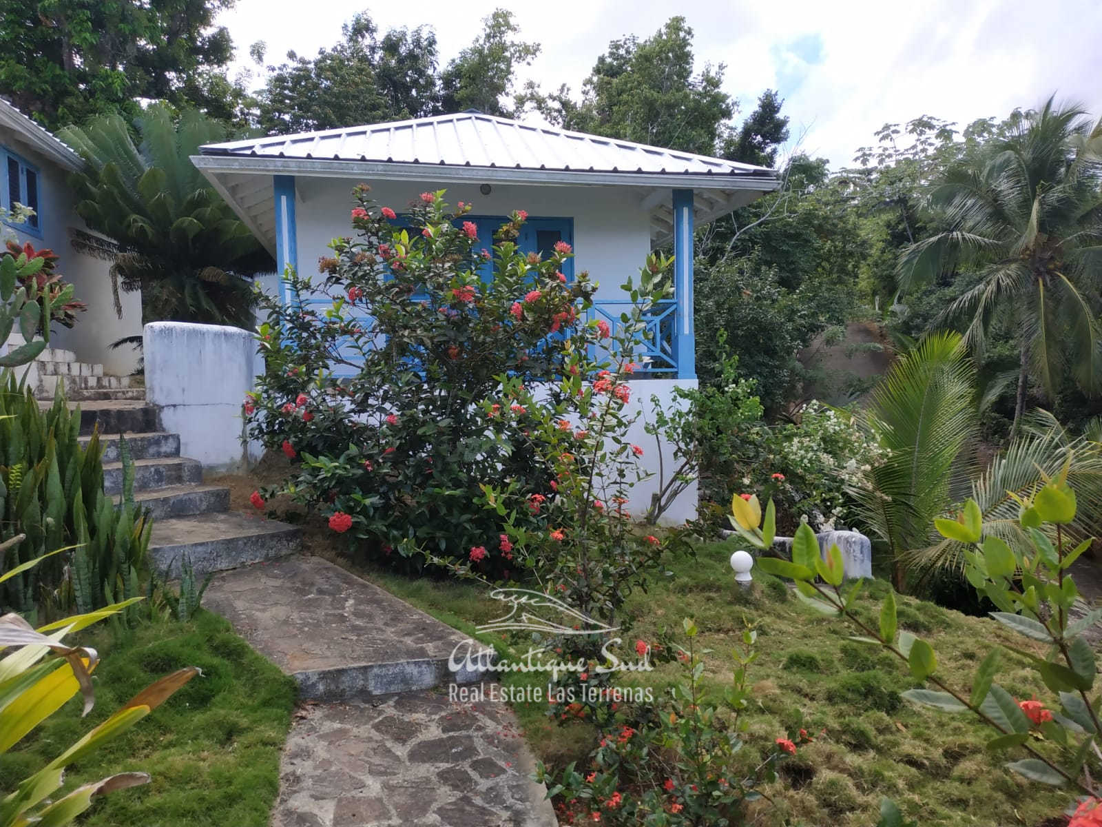 Hillside house for sale in Las terrenas2.jpg