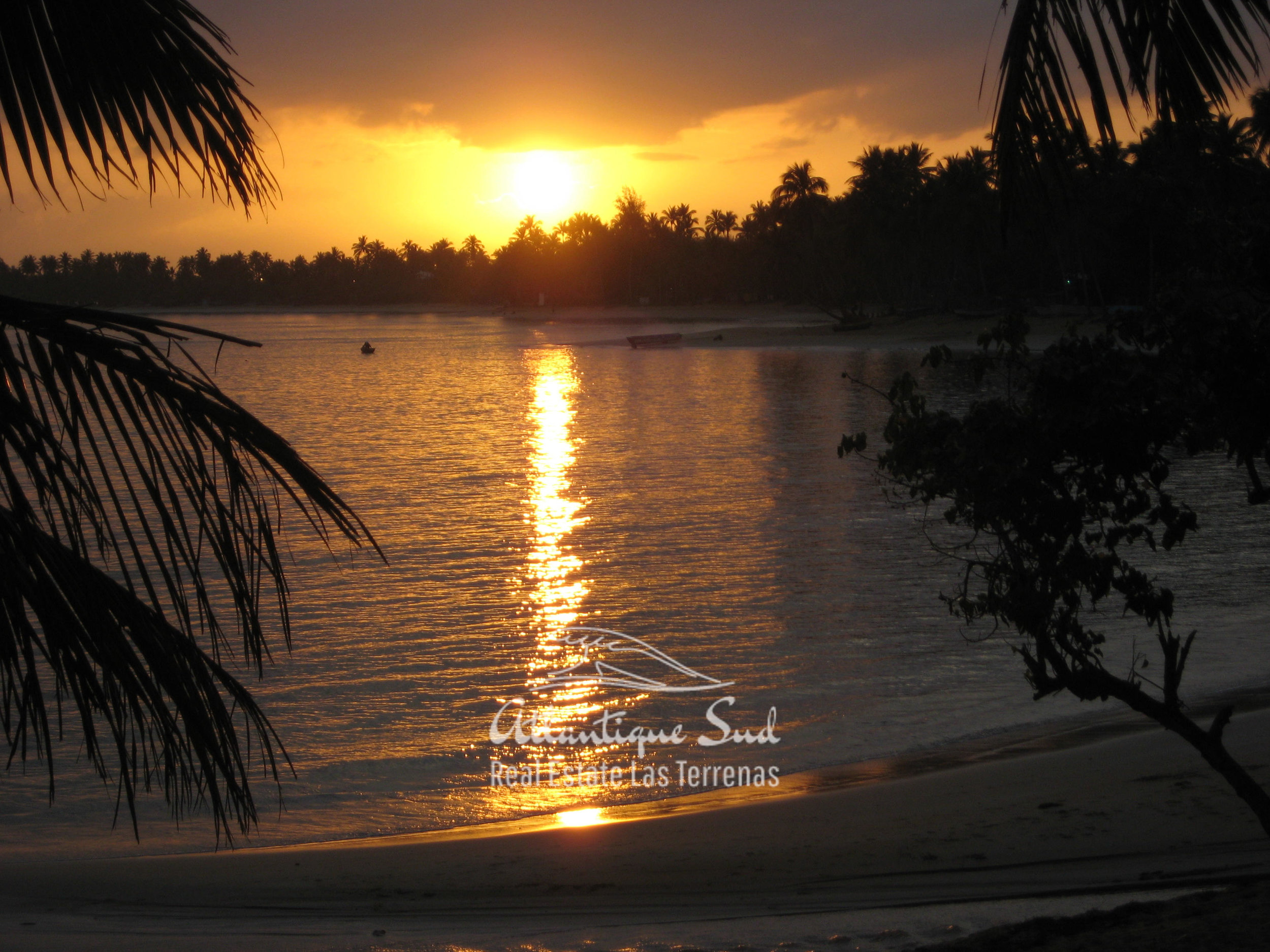Colourful caribbean hotel in touristic heart Real Estate Las Terrenas Dominican Republic24.jpg