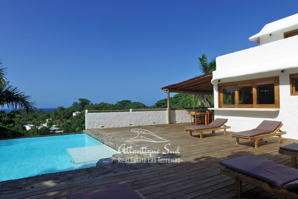 Villa Taniera with ocean view 1.jpg