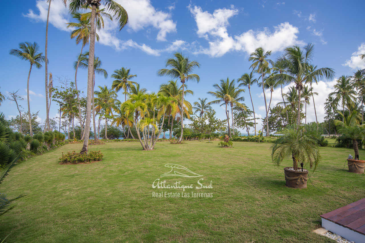 Beachfront villa in Esperanza for sale Las Terrenas DR 13.jpg