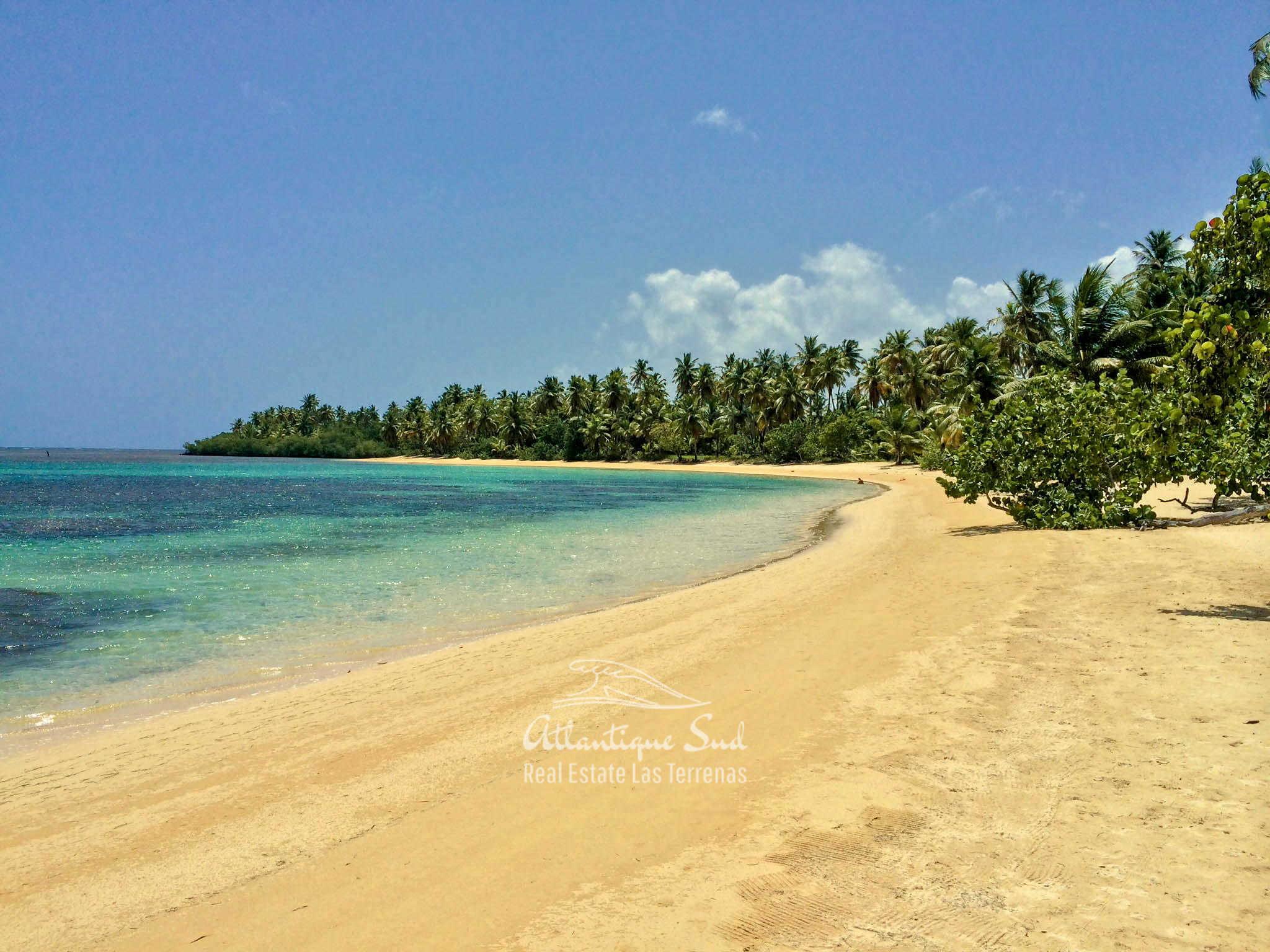 Beachfront villa in Esperanza for sale Las Terrenas DR 2.jpg