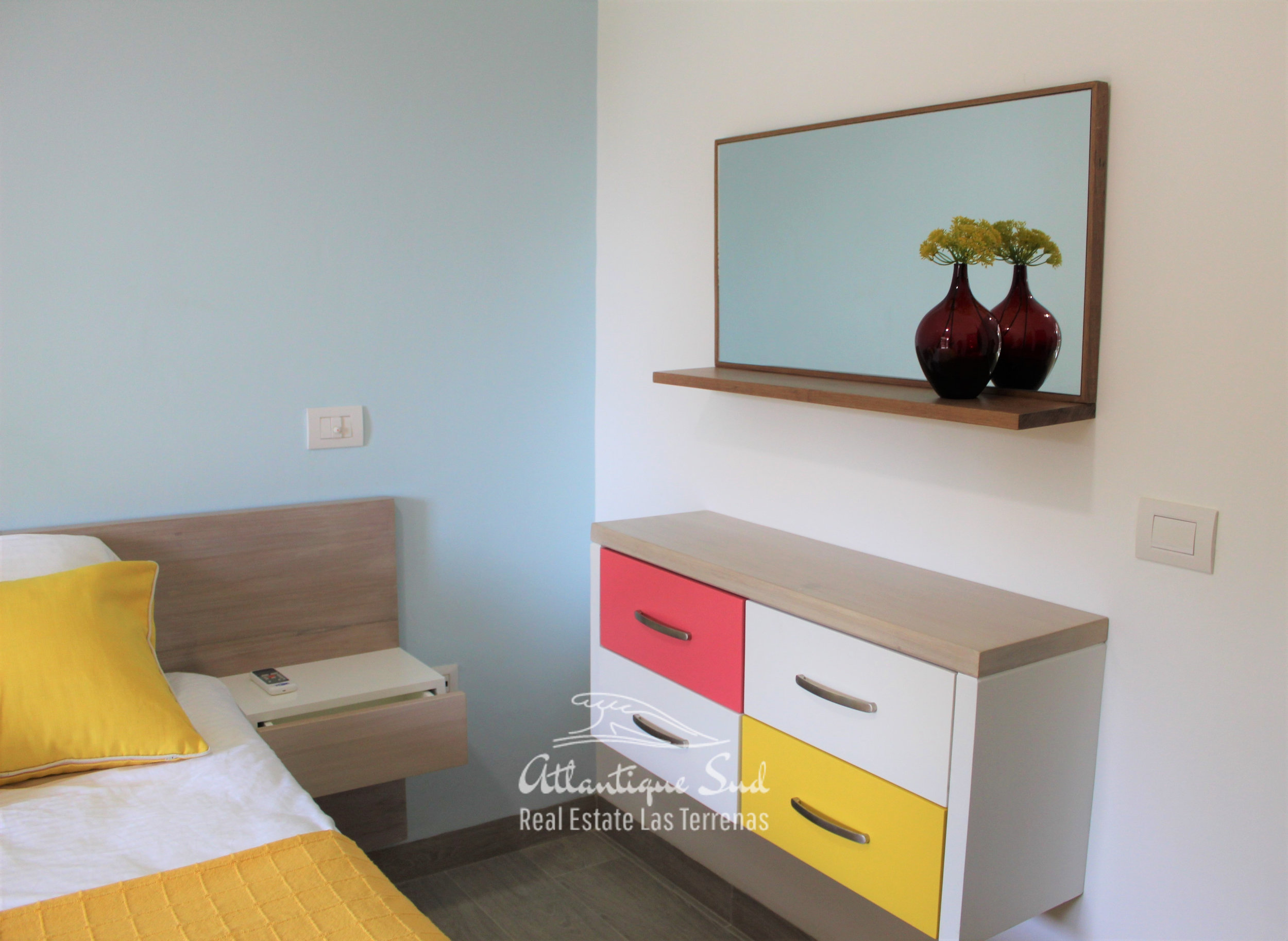 Cozy-1-bedroom-apartment-in-gated-community-close-to-the-center-of-lasterrenas4.jpg