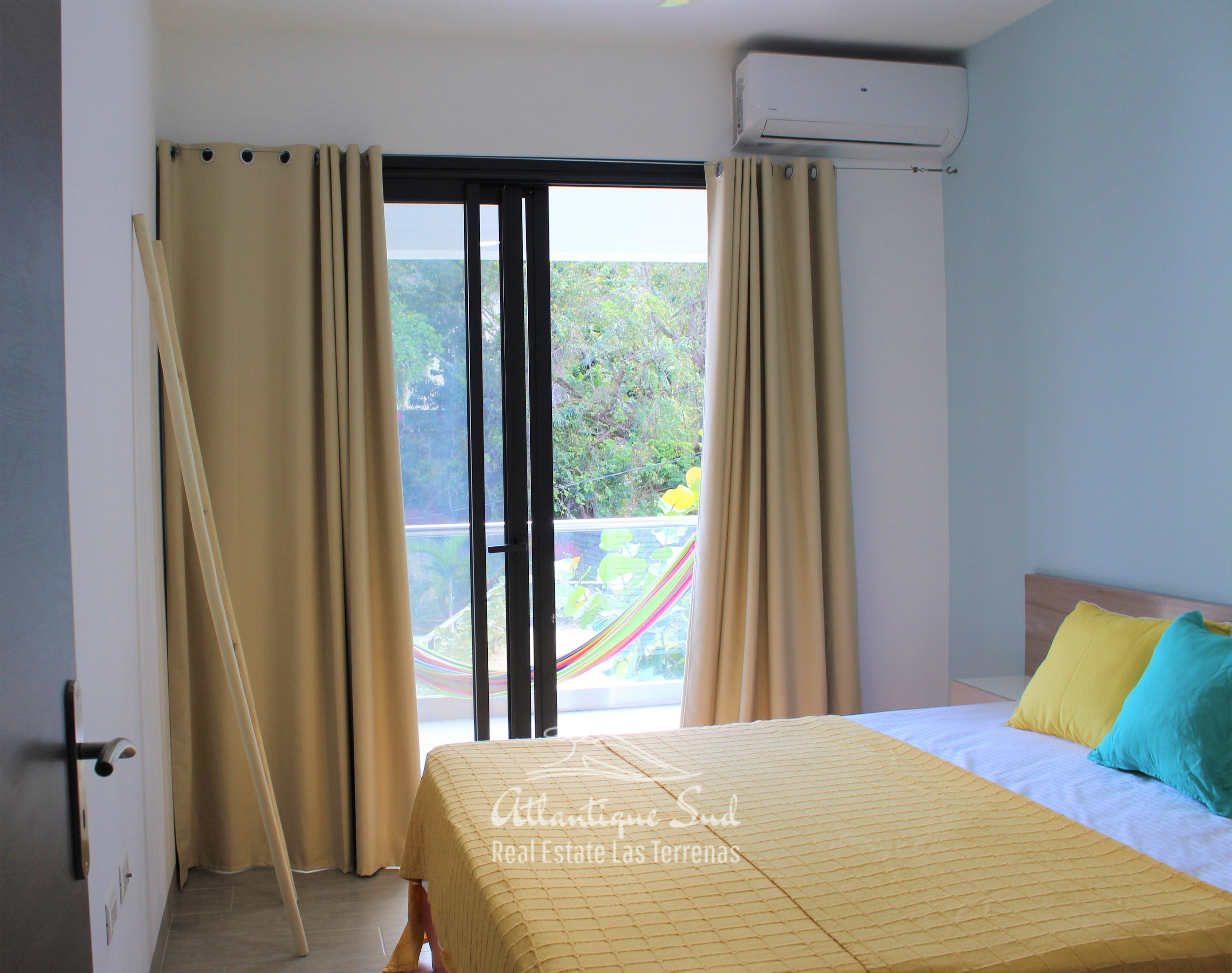 Cozy-1-bedroom-apartment-in-gated-community-close-to-the-center-of-lasterrenas5.jpg