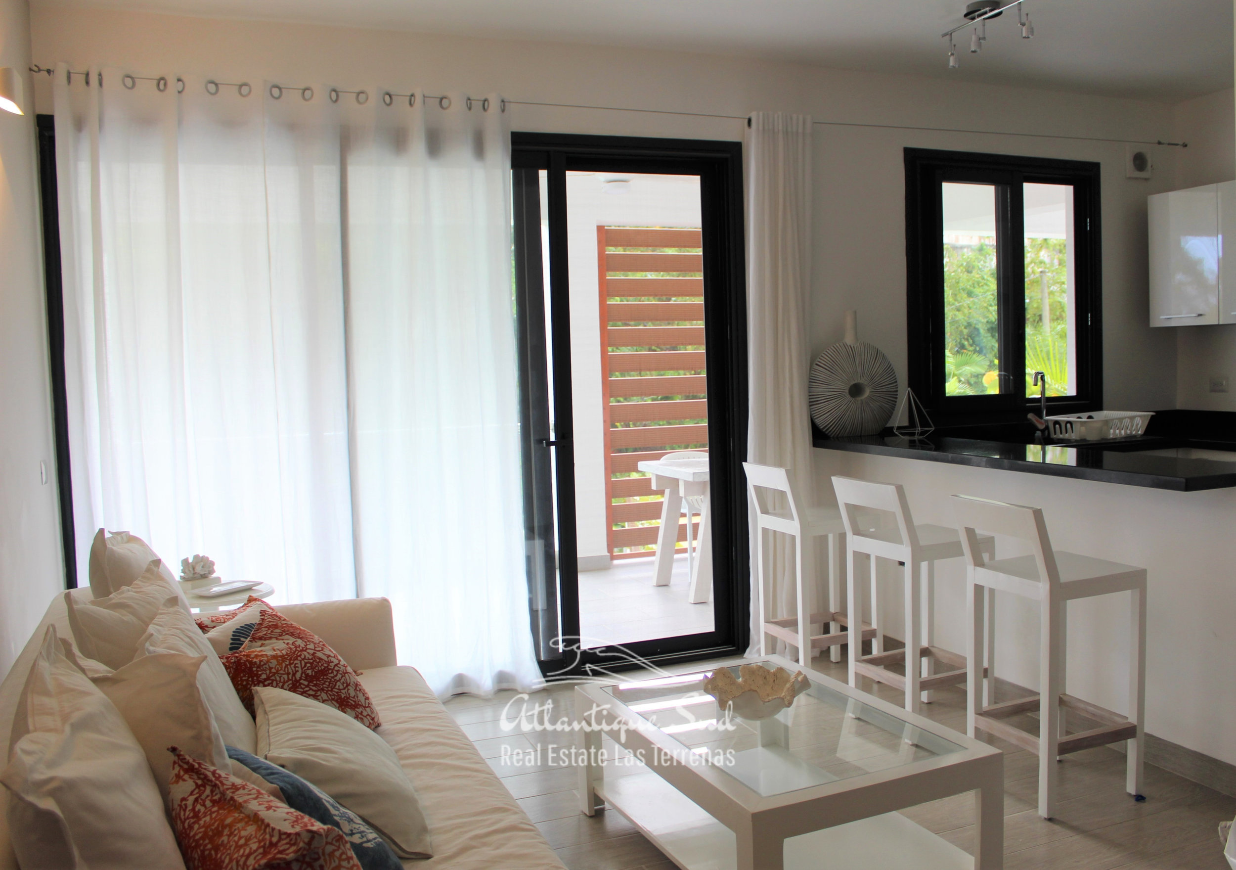 Cozy-1-bedroom-apartment-in-gated-community-close-to-the-center-of-lasterrenas8.jpg