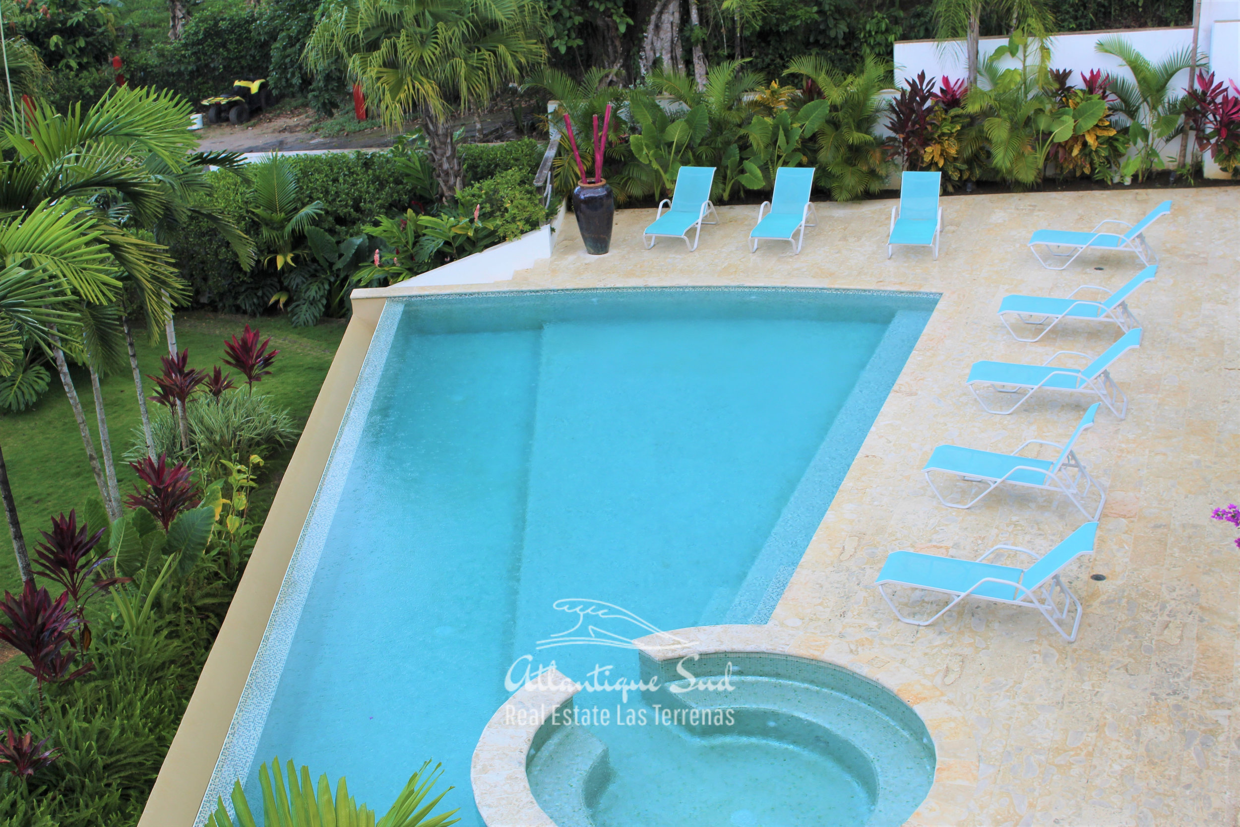 Cozy-1-bedroom-apartment-in-gated-community-close-to-the-center-of-lasterrenas11.jpg