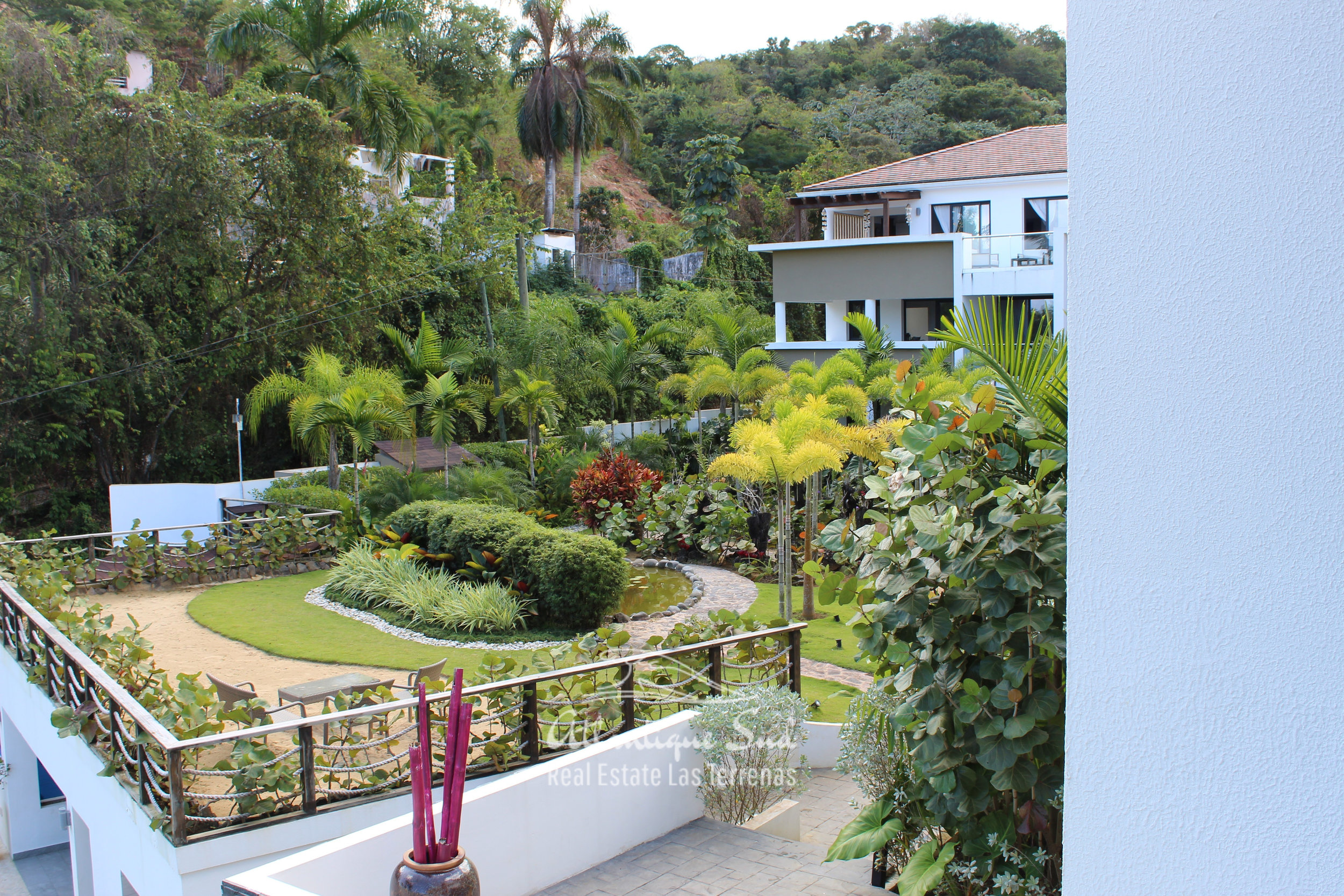 Cozy-1-bedroom-apartment-in-gated-community-close-to-the-center-of-lasterrenas10.jpg