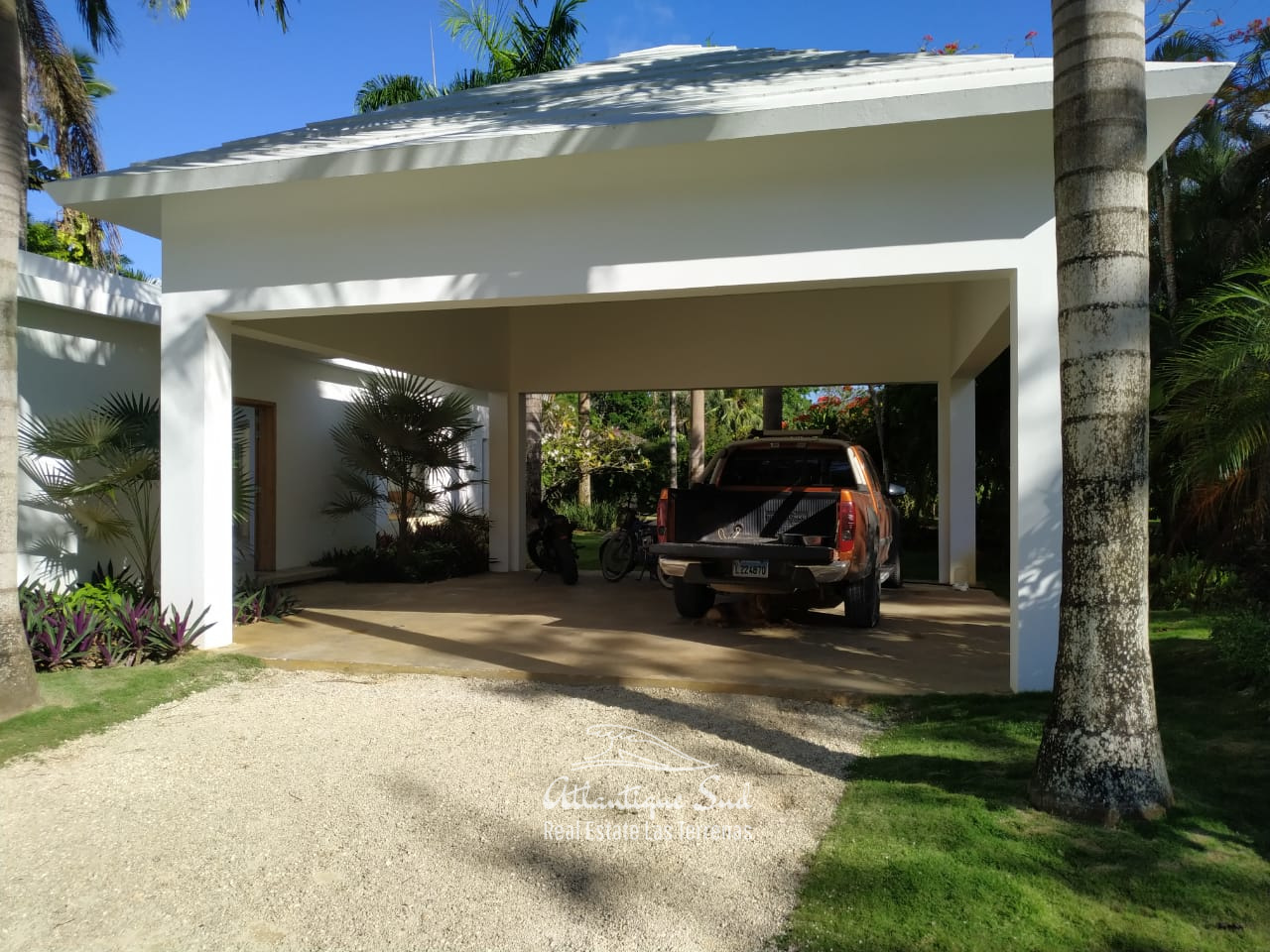 Parking, villa for sale las terrenas.jpeg