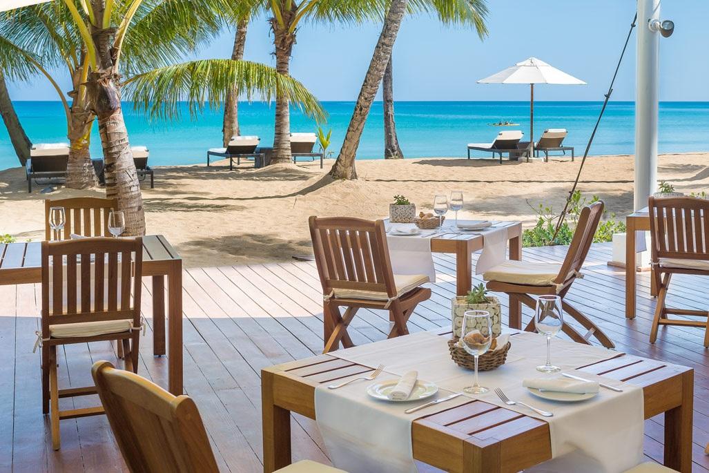 beachfront+restaurant+sublime+las+terrenas.jpg