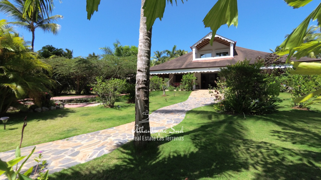 4BR villa for sale in exclusive beachfront community5.jpeg