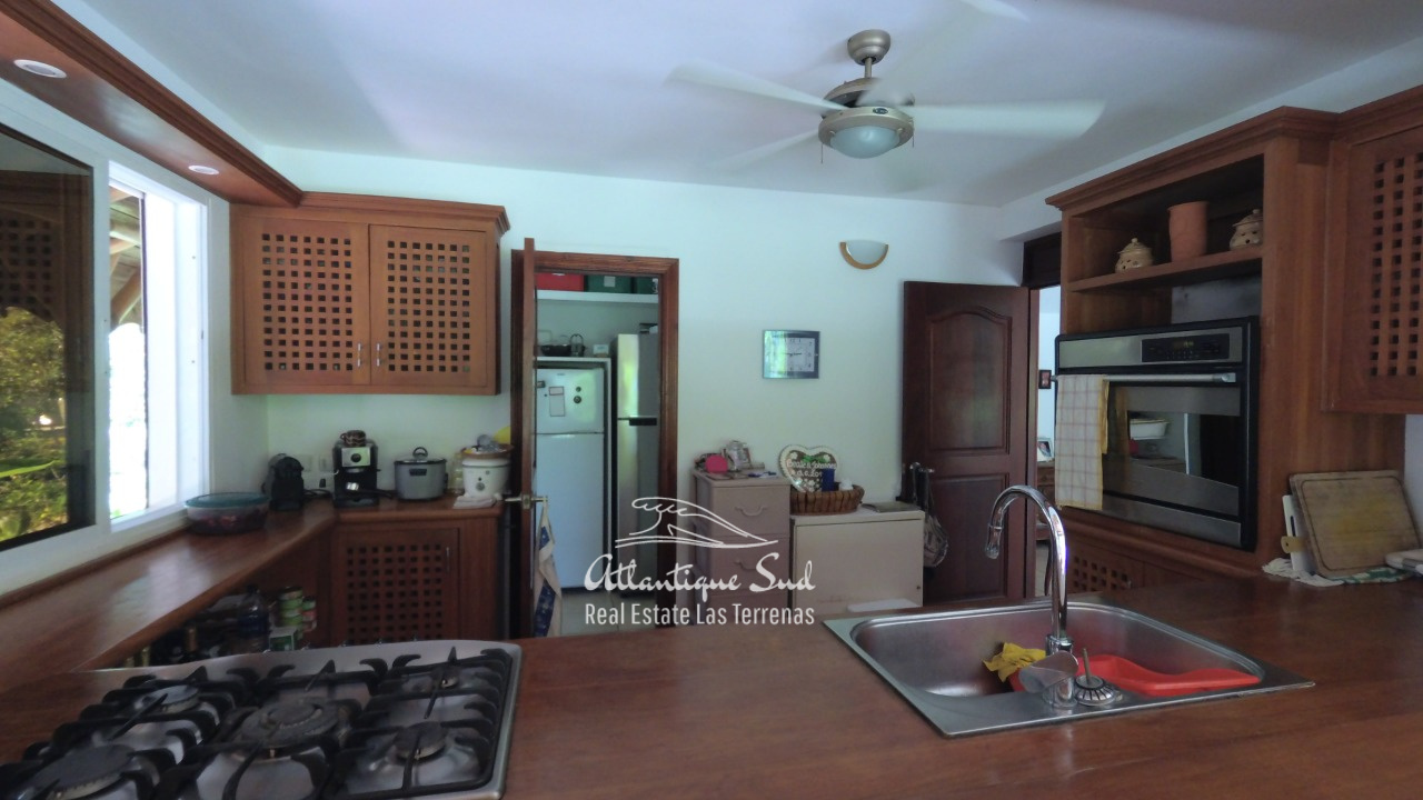 4BR villa for sale in exclusive beachfront community13.jpeg