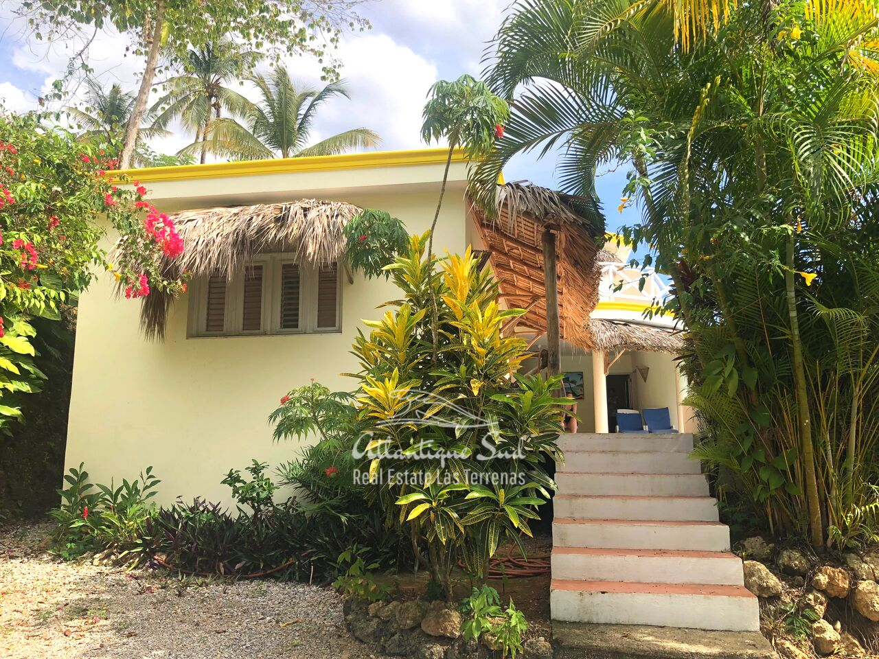 caribbean-style-villa-on-hill-for-sale7.png