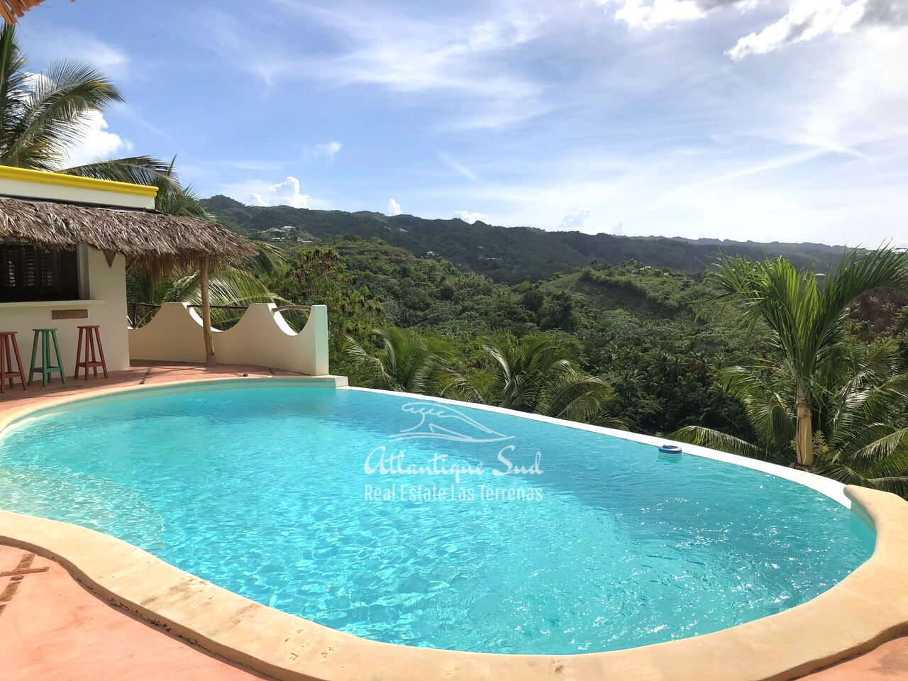 caribbean-style-villa-on-hill-for-sale9.png