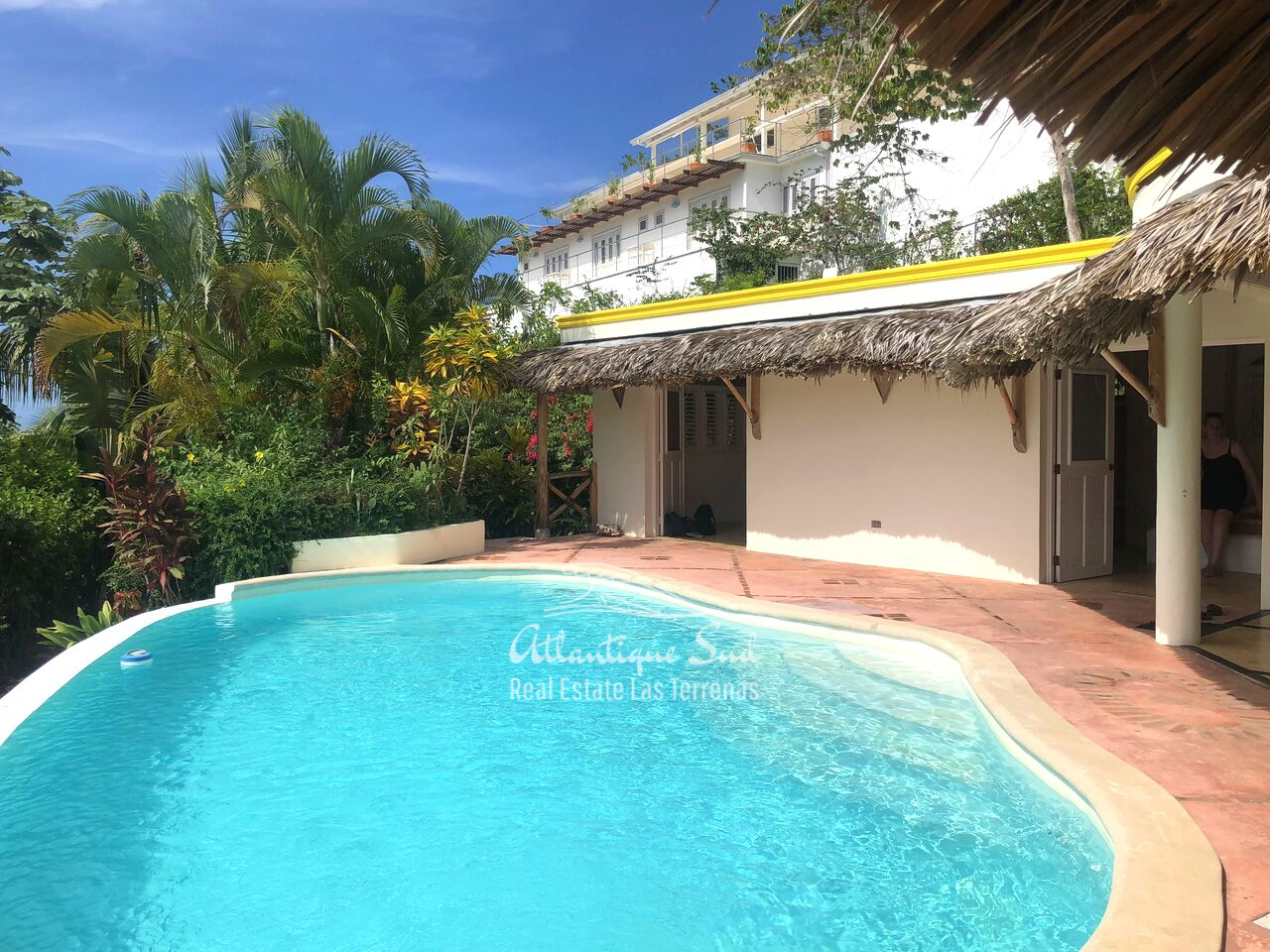 caribbean-style-villa-on-hill-for-sale11.png