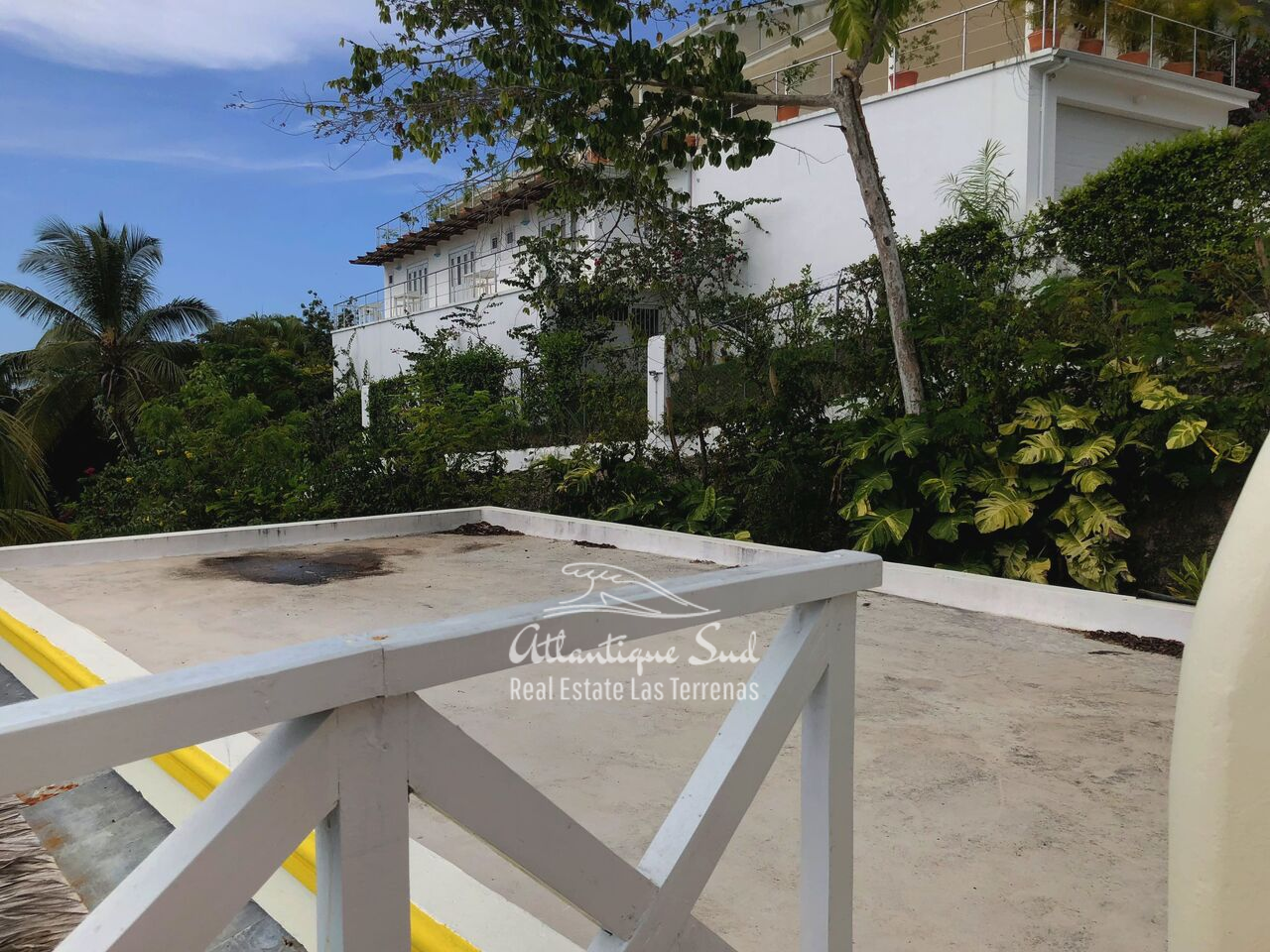 caribbean-style-villa-on-hill-for-sale17.png