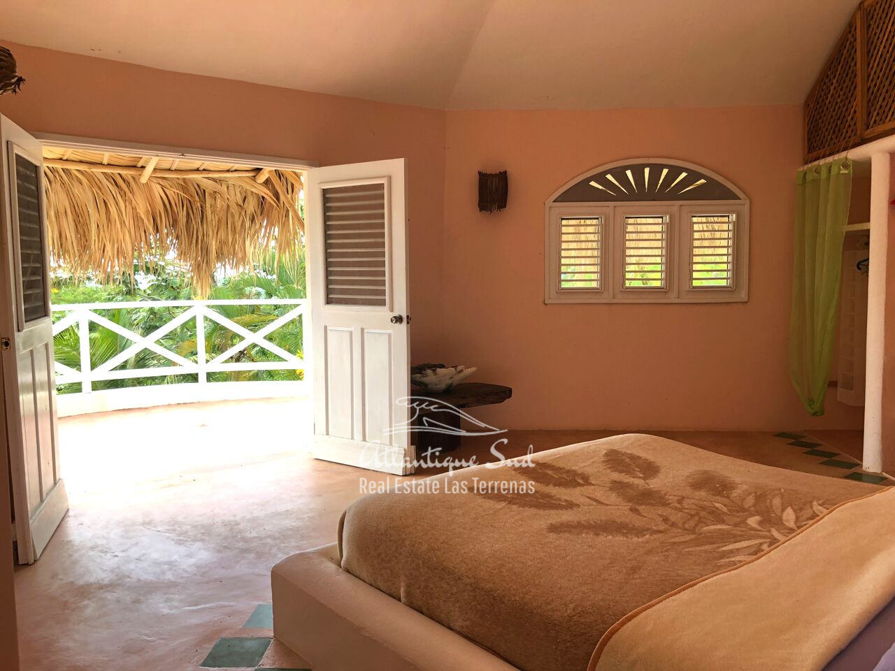 caribbean-style-villa-on-hill-for-sale22.png