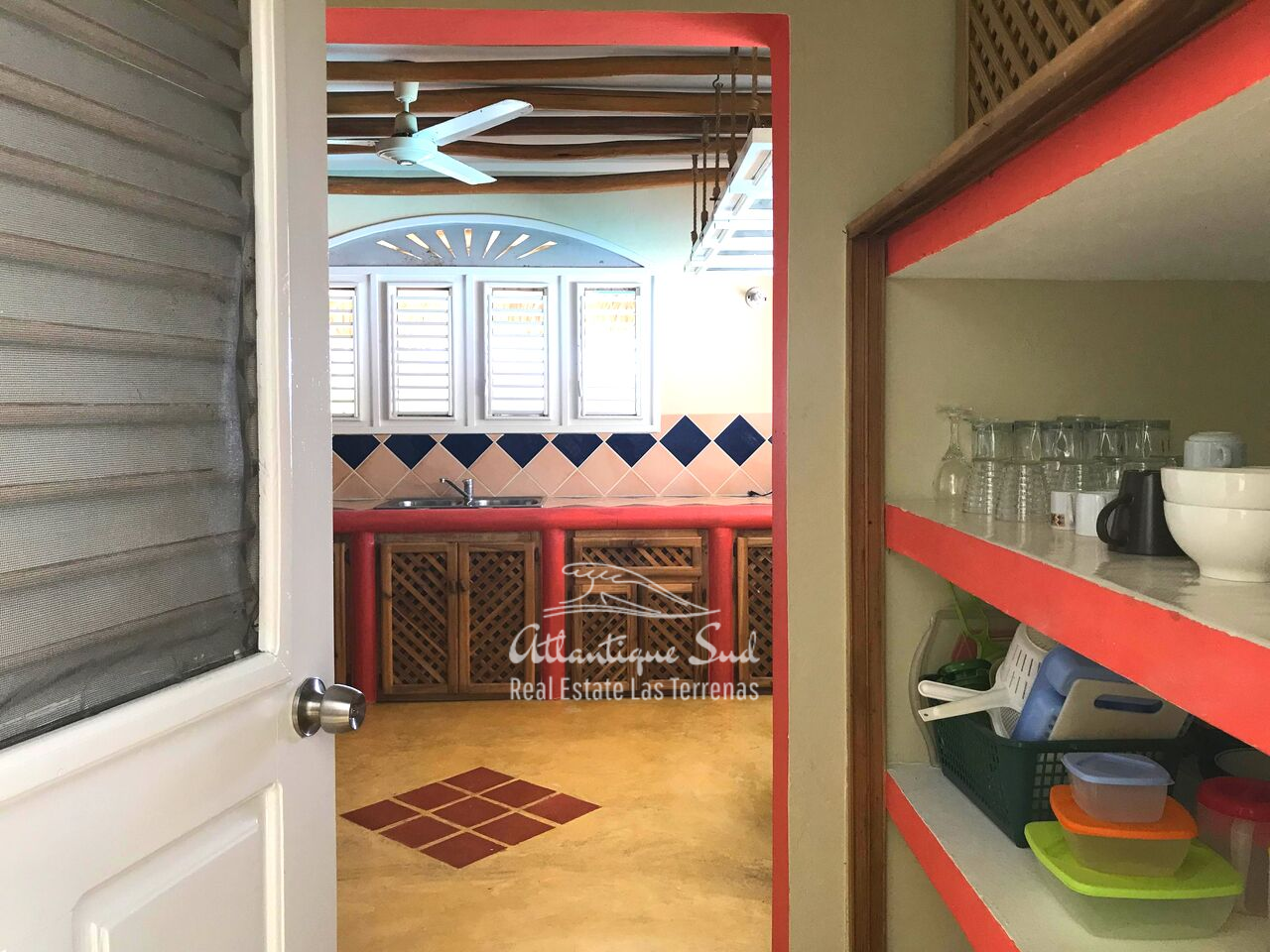 caribbean-style-villa-on-hill-for-sale26.png