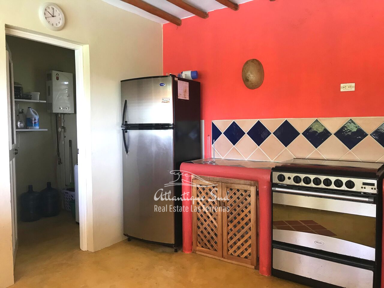 caribbean-style-villa-on-hill-for-sale929.png