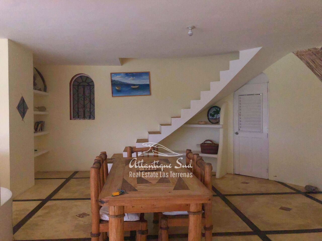 caribbean-style-villa-on-hill-for-sale1234.png