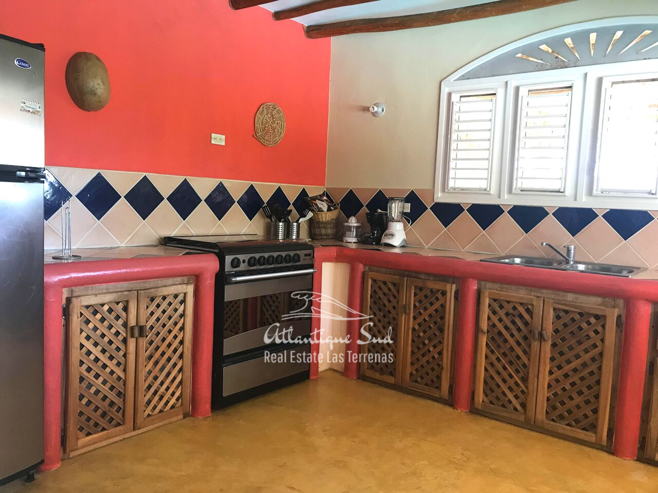 caribbean-style-villa-on-hill-for-sale54672.png