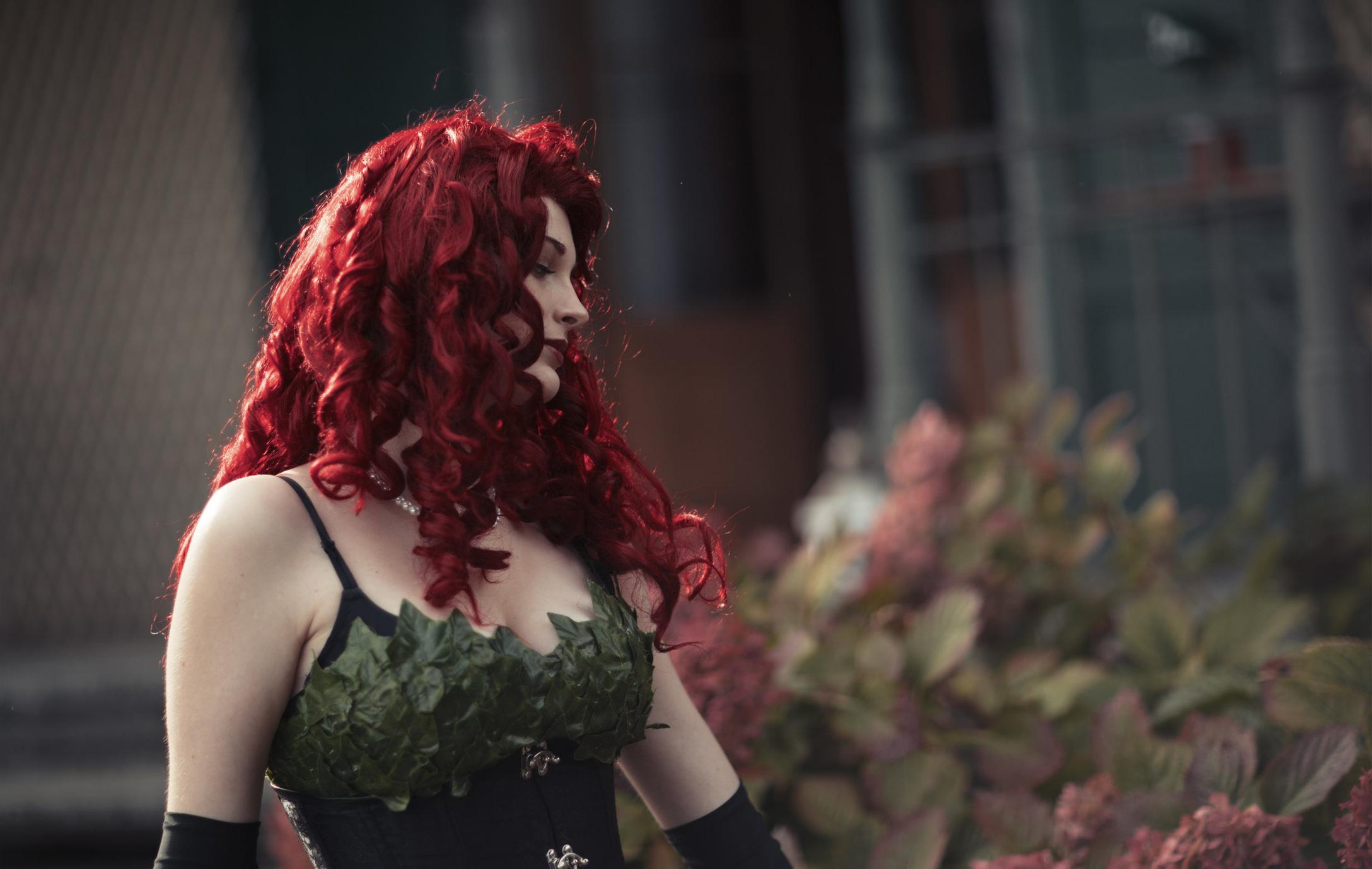 """Poison Ivy """"Arrysia"""" - Réalisation Mathias RochAnnée 2017Durée 4:12Shooting du cosplay de Poison Ivy (DC Comics) réalisé par Arrysia."""