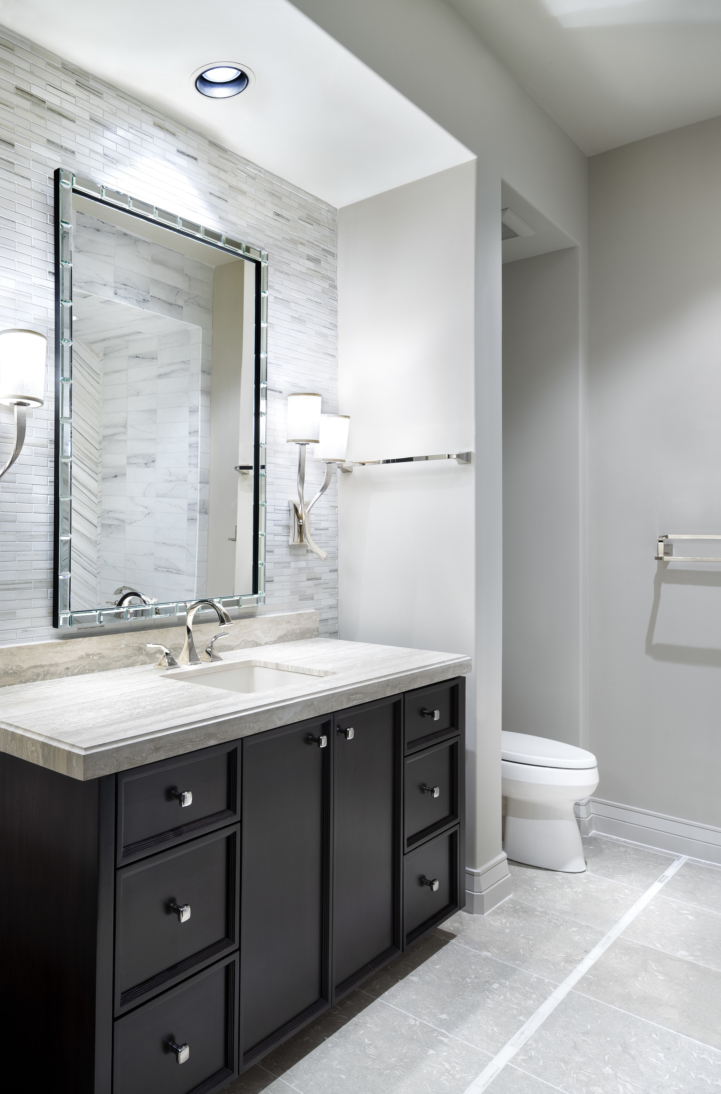 18.6 Bathroom.jpg