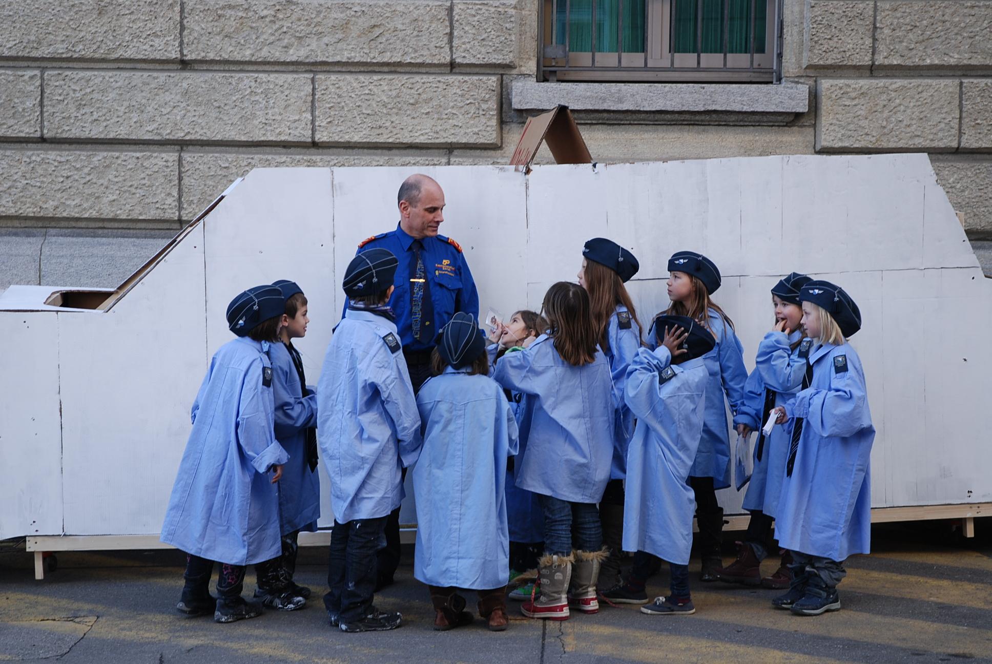 7 kinderpolizei3.jpg
