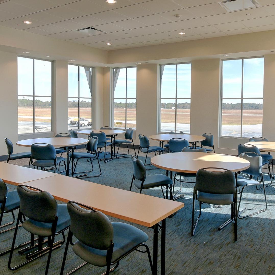 Airport Terminal - meeting room lt MLS.jpg