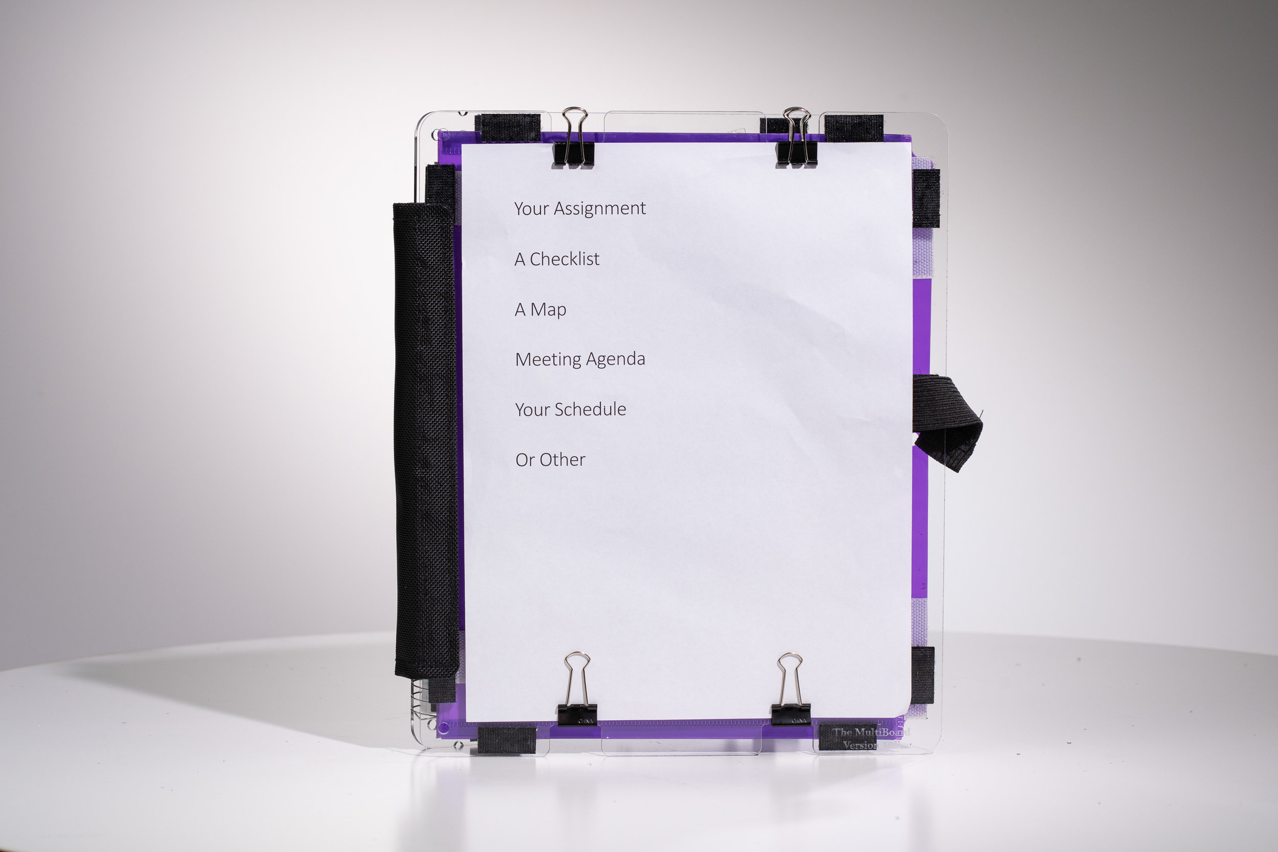 Clipboard mode: Indents on the front allow the use of binder clips