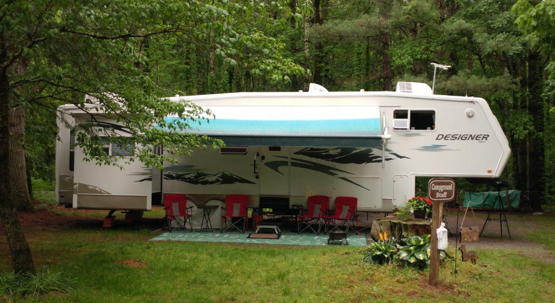 Davidson-River-Campground-Camper.jpg