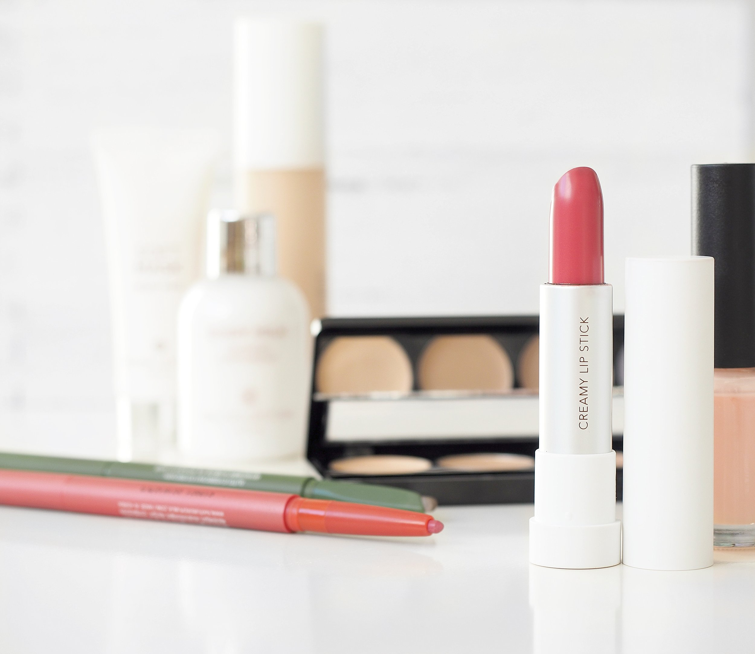 How-To-Try-High-End-Beauty-Products-Without-Breaking-the-Bank