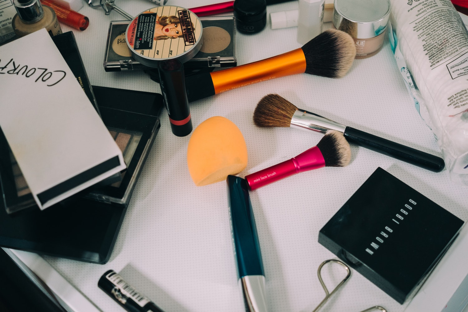 5-Makeup-and-Beauty-Products-That-Are-Worth-Splurging-On-and-4-That Are-Not.jpg