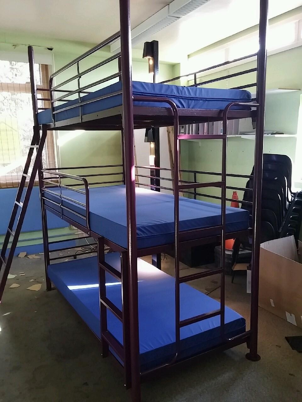 Hostel triple bunk.JPG