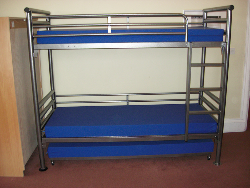 Bunk bed with truckle.jpg