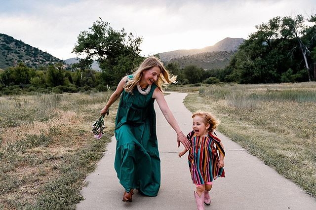 """It occurred to me that I haven't properly introduced myself! Hi, I'm Jenny! 🌿 I'm a writer and mother living with cystic fibrosis. I'm the former editor of numerous city-based lifestyle print + online publications and first-time children's author! 🌿 I currently live in the burbs of Denver, CO with my husband, three-year-old daughter, a Labrador retriever and a bossy senior dachshund. 🌿 Thank you ALL for your continued support! I look forward to learning more about all of you AND introducing you to Wheezie Stevens in """"Bubbles Can't Hold Rain"""" throughout this holiday season!"""