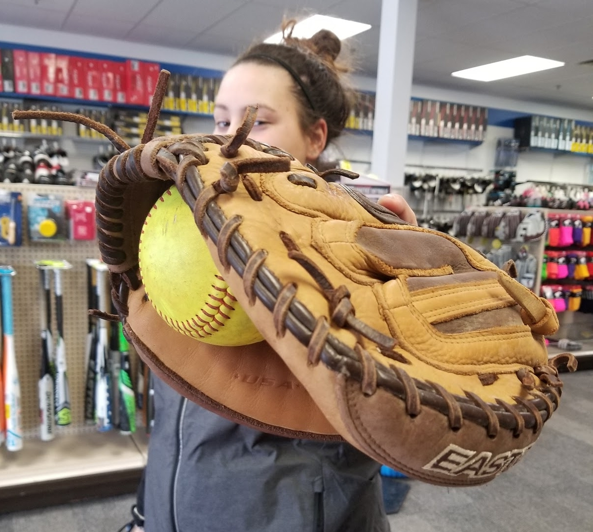 2018 BASEBALL & SOFTBALL - We are fully stocked with 2018 youth and adult baseball and softball regulation bats as well as youth and adult mitts. With supplies for every ability level, stop in to get sized up with all the gear you need soon.Not sure what size you need? All of our staff can size you up and help you decide on the perfect bat for your swing.