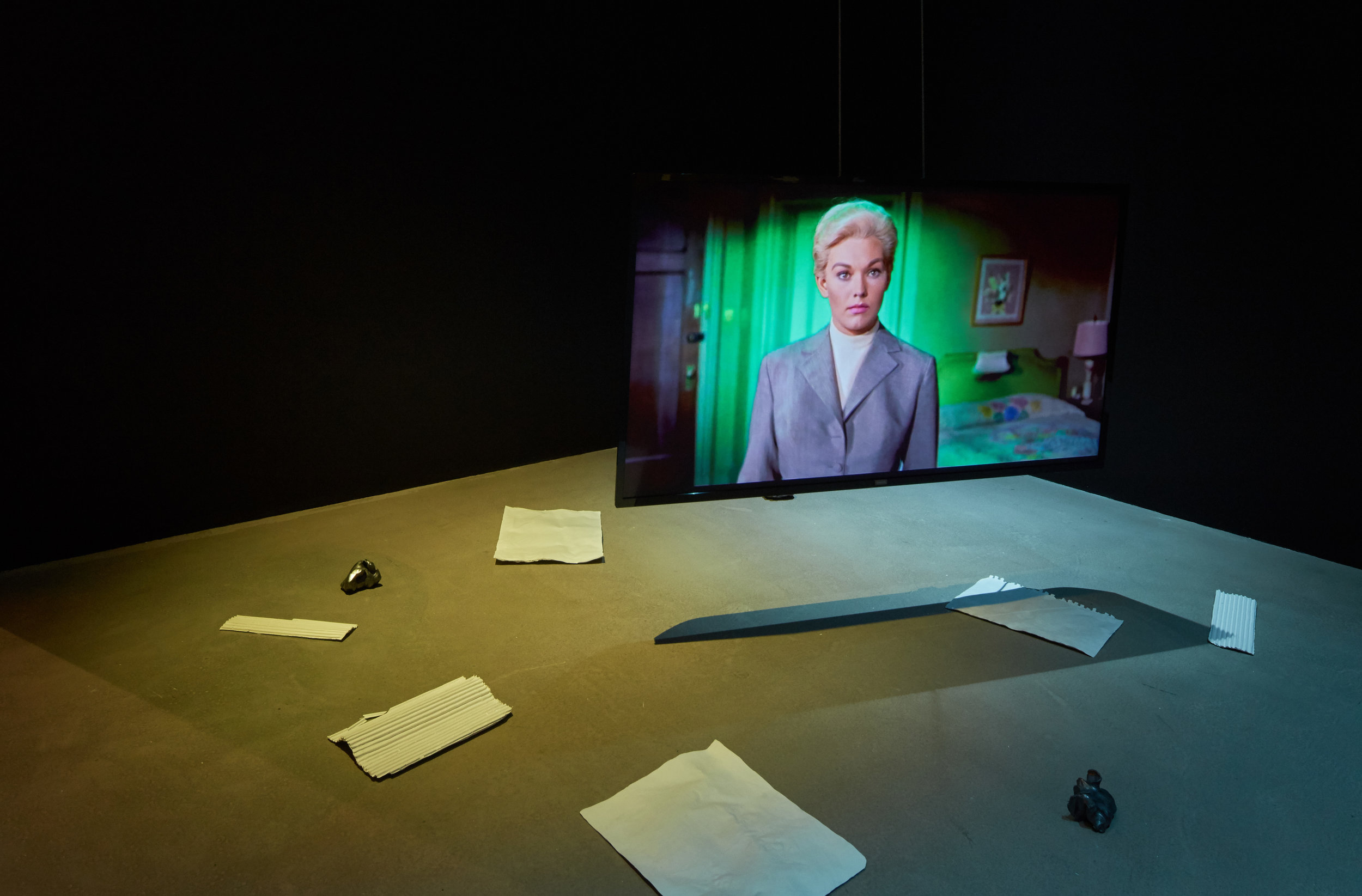 Elísabet Brynhildardóttir   Þeir stilla sér ekki upp (They will not pose)  2018. Site specific installation; two channel videos, plaster sculptures and graphite covered clay.