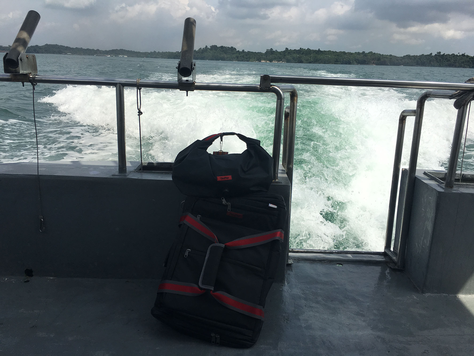 Love our JamPac®, the travel backpack and the VacPac, a versatile dry/wet vacuum fun bag. Traveling as usual side by side! They're on vacation enjoying a leisurely boat ride in SE Asia 😎