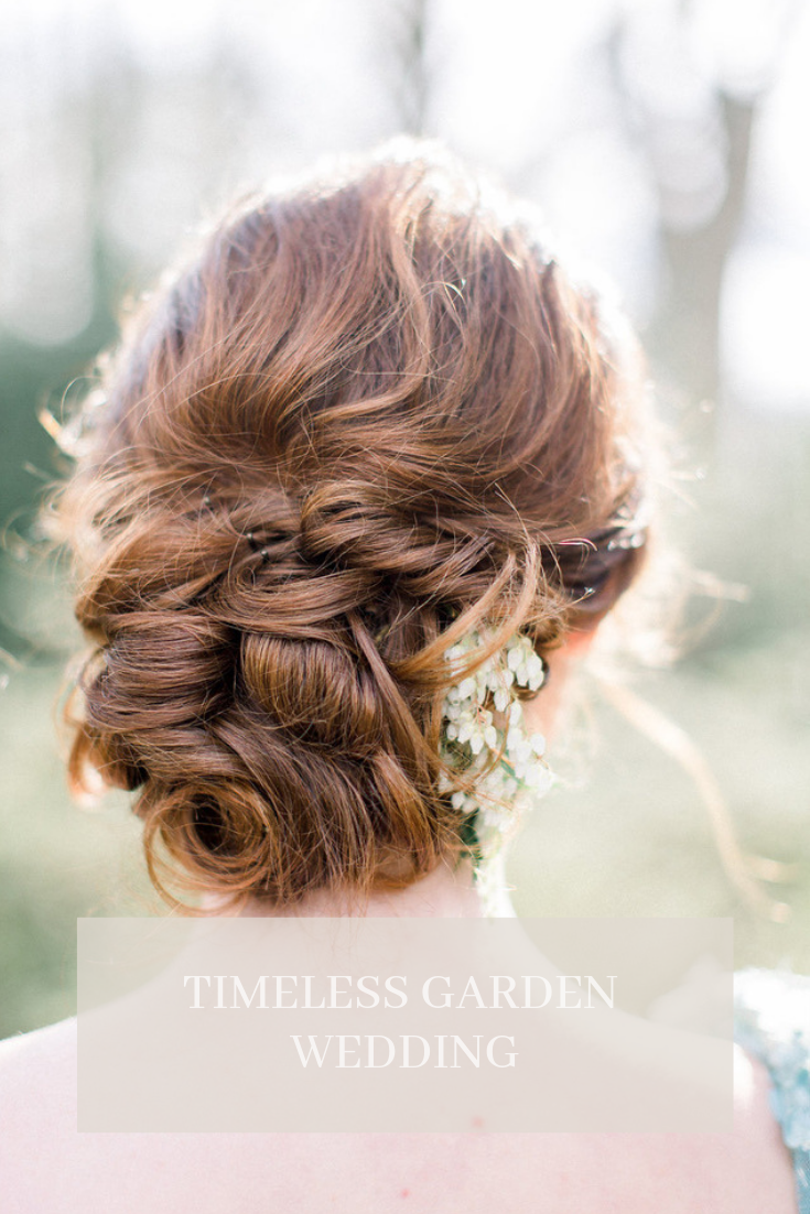 Hairdo with flowers for timeless garden wedding - Houston Garden Wedding - Esperanza Atelier Fine Art Calligraphy - Houston Calligrapher