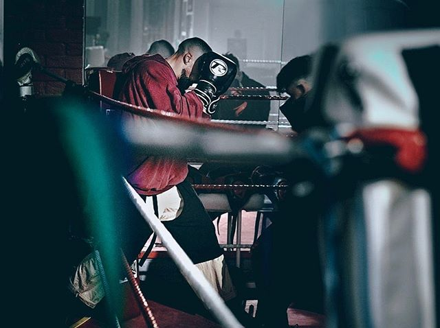 Most know as a boxing gym, and some know as a TV set, Photography studio, Event space, and home to Professional athletes 🥊 Did you know you can hire either our Dalston or Clapham locations! Looking for an epic boxing gym to use for your upcoming project? Get in touch today: info@morenoboxing.co.uk 📧 . . 📸 @ariana.waiata / @aroarchive  #boxingphotoshoot #boxeo #boxing #boxingclass #tvset #boxingtv #tvboxing #boxingmatch #eventspacesinlondon #eventspace #clapham #dalston #gymhire