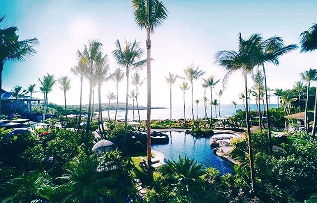 Beyond enjoying day 1 in Hawaii 🌺 Cannot wait for tomorrow when some of the most talented individuals in the Event Industry will converge on the island of Lana'i 🤗 And explore all of the AMAZING things @fslanai has to offer ✌🏻 Travel safe @lovedetailed @sterling_social @valoriedarling @emilyclarkeevents @julianleaver @shannonleahyevents @lyndenlane and @cmontondon 💙