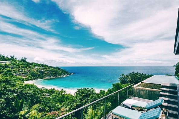 Happy August ✌🏻 Heading into Fall Wedding season means we're planning Spring/Summer honeymoons 💙 Loving all of the exotic destinations right now - especially @fsseychelles 🤗 #luxurytravel #destinationwedding #weddingconcierge #tentwentytravel